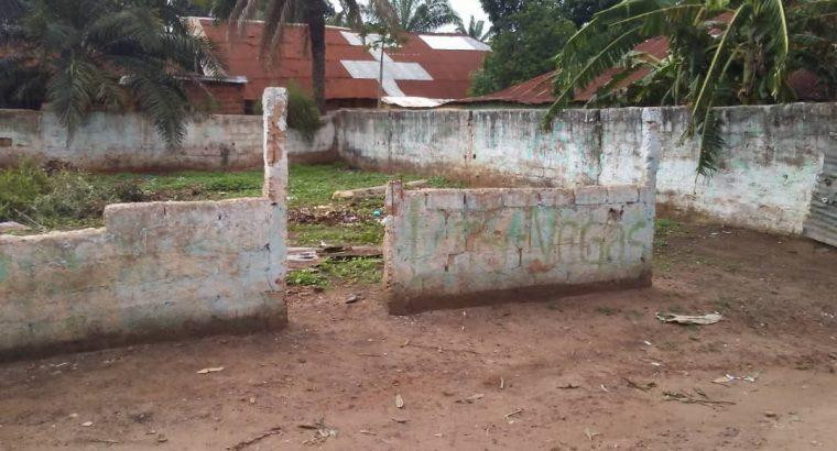 Vende se Terreno em Bissau Luanda 500m2